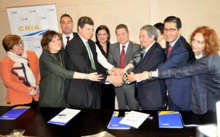 Caballero ofrece el apoyo institucional al aeropuerto de Ciudad Real