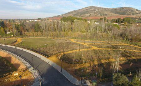 Valdepeñas incrementó sus zonas verdes en 267.227 m² en esta legislatura