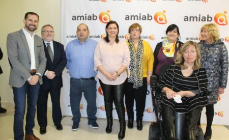 La delegada de la Junta ha visitado en Puertollano las instalaciones de la nueva delegación  de  la Entidad Asociativa Nacional de Economía Social –AMIAB-