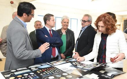 García-Page visita a la empresa Trencadis Innovación, de Villamanrique