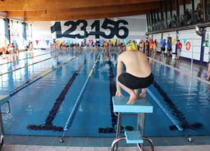 Manzanares sede de una competición provincial de natación de deporte base
