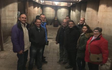 Candidatos de Unidas Podemos visitan explotaciones ganaderas y vitivinícolas en Valdepeñas