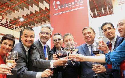 El presidente de la DO ha visitado en Ciudad Real la Feria Nacional del Vino