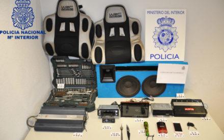 La Policía Nacional detiene a los dos autores de varios robos en interior de vehículo cometidos en Valdepeñas