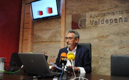 El alcalde llama a la participación ante el descenso del número de votantes