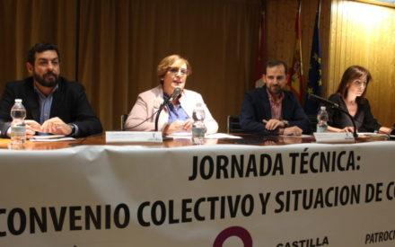 Carmen Olmedo asiste a la inauguración de la jornada anual de FEACEM celebrada en Ciudad Real