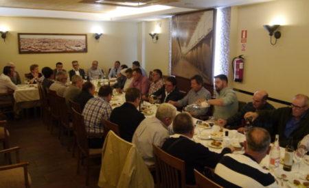 Jesús Martín y Francisco Martínez se reúnen con más de 40 agricultores y ganaderos de Valdepeñas