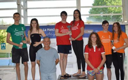 El C.N. Valdepeñas aporta 8 nadadores a la selección provincial en el Campeonato Regional de Deporte Escolar
