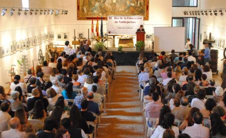 Cincuenta y dos reconocimientos en el XI Día de la Educación de Valdepeñas