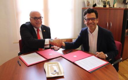 El Ayuntamiento de Manzanares ha firmado un convenio de colaboración con el IES Sotomayor valorado en 4.000 €