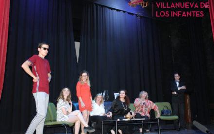 """El Taller de Teatro de la Universidad Popular de Villanueva de los Infantes clausura el curso con la comedia """"El que pide el último pide mejor"""""""