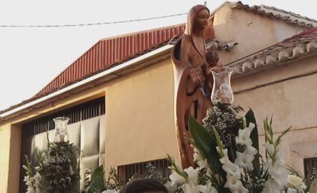 Las fiestas del barrio de Los Llanos de Valdepeñas finalizan con la procesión en honor a su patrona