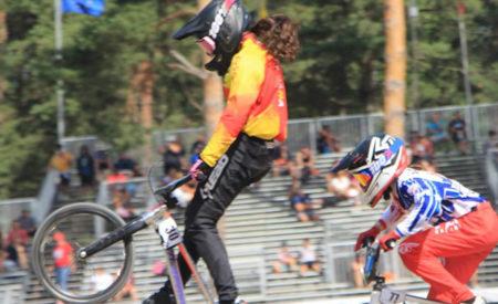 Sendas caídas de las talaveranas Verónica García y Carla Gómez en el Campeonato del Mundo de BMX Racing en Zolder