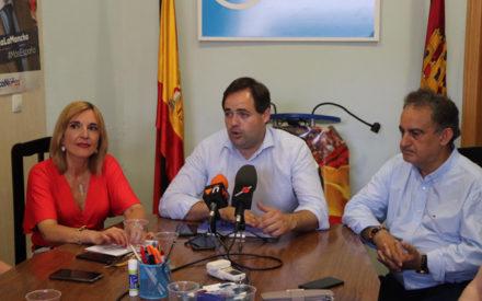 El presidente del PP de Castilla-La Mancha, Paco Núñez se reúne con los dirigentes del Partido Popular de Valdepeñas