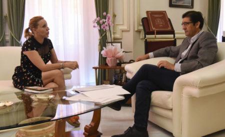 García Mayordomo le ha explicado a Caballero los proyectos que pretende realizar en Santa Cruz de Mudela