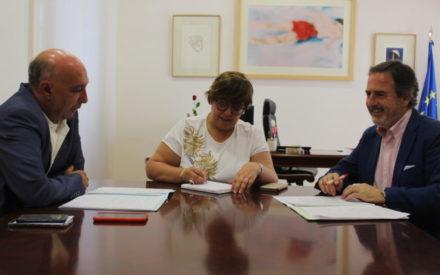 Empleo y promoción turística centran la reunión entre el Gobierno de Castilla-La Mancha  y el alcalde de Aldea del Rey