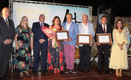 La consejera de Economía, Empresas y Empleo recibe el Premio 'Santa Marta' otorgado por la Asociación Provincial de Hostelería de Ciudad Real