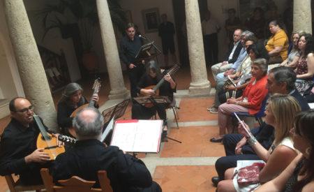 Poesía y música se dan la mano en la cantata para verso y laúdes de Luis García Montero y el Cuarteto Aguilar