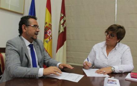 El Gobierno de CLM aborda con el ayuntamiento de La Solana diversas mejoras educativas en el municipio