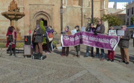 IU Valdepeñas conmemora el Día Internacional Contra la Violencia hacia las Mujeres