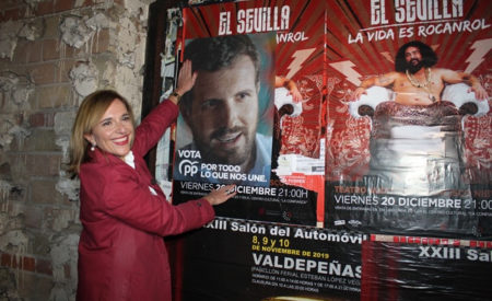 El PP arranca la su campaña con la pegada de carteles