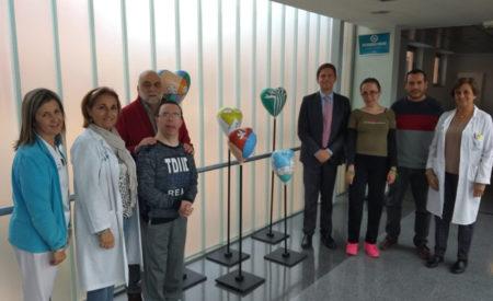 AFAD dona al Hospital de Valdepeñas una obra realizada por personas con discapacidad