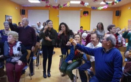 El Centro de Mayores del Lucero de Valdepeñas celebra sus 'Pre-campanadas'