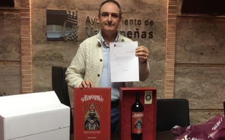 El Concejal de Podemos en Valdepeñas devuelve el regalo al empresario