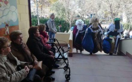 Encuentro intergeneracional en Santa Cruz de Mudela con los mayores y niños