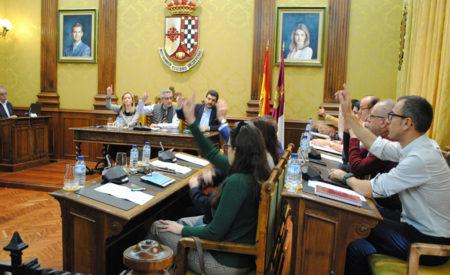 Luz verde al avance del Plan de Tormentas y a la instalación de 'Electrolineras' en Valdepeñas