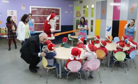 Papá Noel lleva la Navidad al CAI de Manzanares