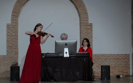El Auditorio Inés Ibáñez acogió el concierto de navidad de la Familia Hatch
