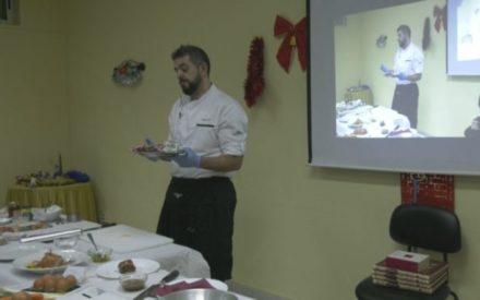 La OMIC de Manzanares presenta su menú navideño con productos del Mercado de Abastos