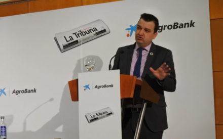 Francisco Martínez Arroyo participa en el desayuno informativo organizado por el diario La Tribuna de Ciudad Real y CaixaBank en Ciudad Real