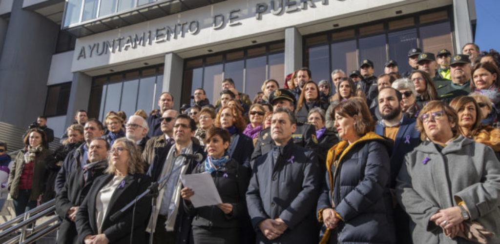 Concentración de repulsa por el asesinato ocurrido en Puertollano
