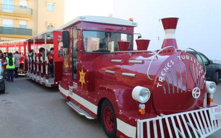 El tradicional Tren Neumático Adaptado recorre los barrios de Valdepeñas