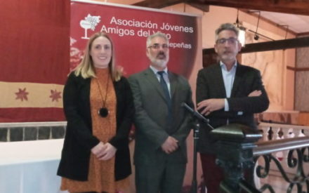 La Asociación Jóvenes Amigos del Vino de Valdepeñas presenta las actividades para el 2020
