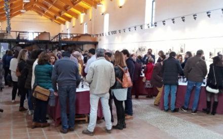 Los Jóvenes Amigos del Vino de Valdepeñas catan los aceites de Oleo Pepillo