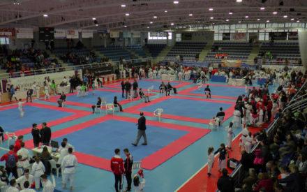 La Ciudad Deportiva 'Virgen de la Cabeza', acoge la 2ª Fase Regional de Karate en Edad Escolar