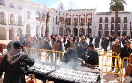 Más de mil personas en Manzanares disfrutan de la sardinada carnavalera