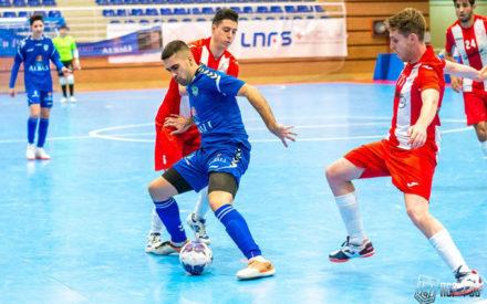 4-5  Nueva victoria del Viña Albali Valdepeñas que les proclama campeones del grupo (3ªDiv)