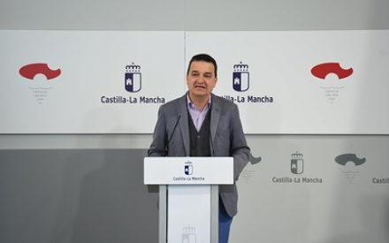 El consejero de Agricultura, Agua y Desarrollo Rural, Francisco Martínez Arroyo ha participado en una videoconferencia con el ministro Luis Planas