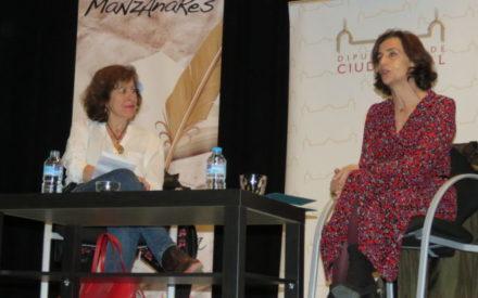 La creación literaria con perspectiva de mujer, protagonista en la Escuela de Ciudadanía de Manzanares