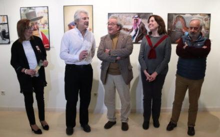 'Series 3.0', una exposición en Manzanares que propone un viaje al mundo a través de fotografías