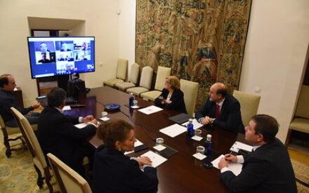 El presidente de CLM se reúne por videoconferencia con los diferentes obispos de las diócesis de la región