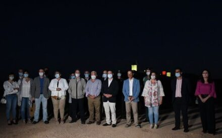 El presidente García-Page inaugura la nueva iluminación monumental de los Molinos de Herencia
