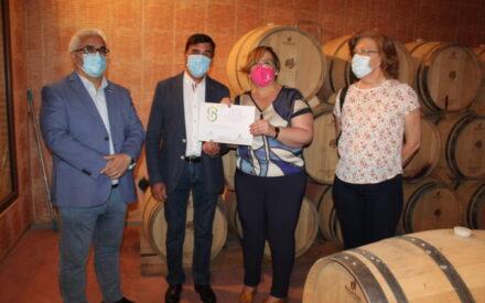El Gobierno de CLM entrega dos diplomas 'Gran Selección' a la SAT COLOMAN y Bodegas San Isidro de Pedro Muñoz