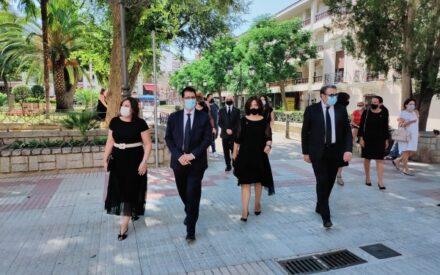 El presidente de la Diputación de Ciudad Real asiste a la misa funeral en honor de las víctimas de la COVID-19