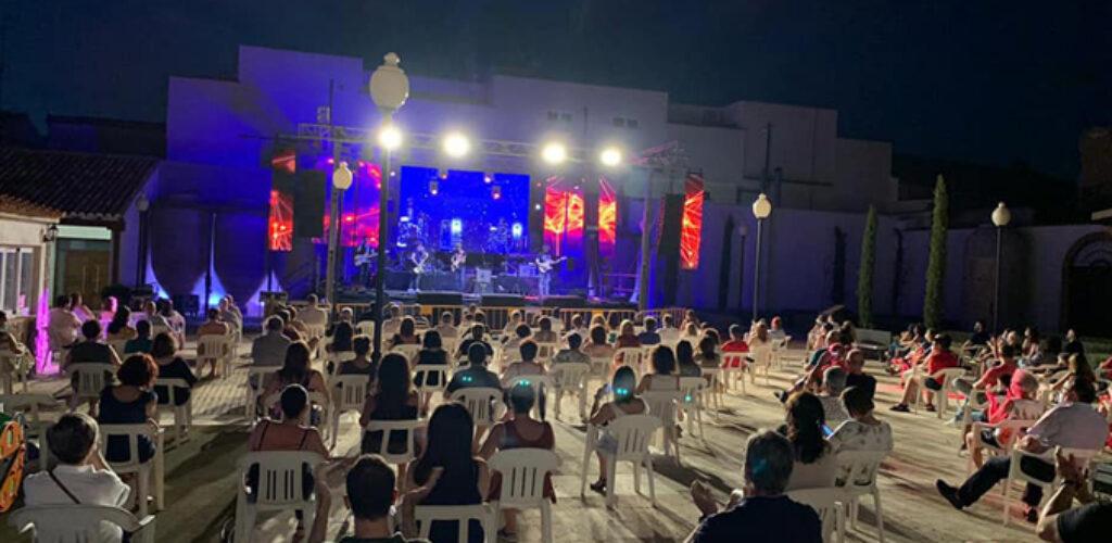 'Las noches de A7' llegan en Valdepeñas a su recta final con circo, títeres y música