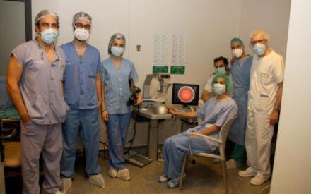 El Servicio de Oftalmología de Alcázar de San Juan utiliza tres simuladores quirúrgicos para formar a residentes de la región